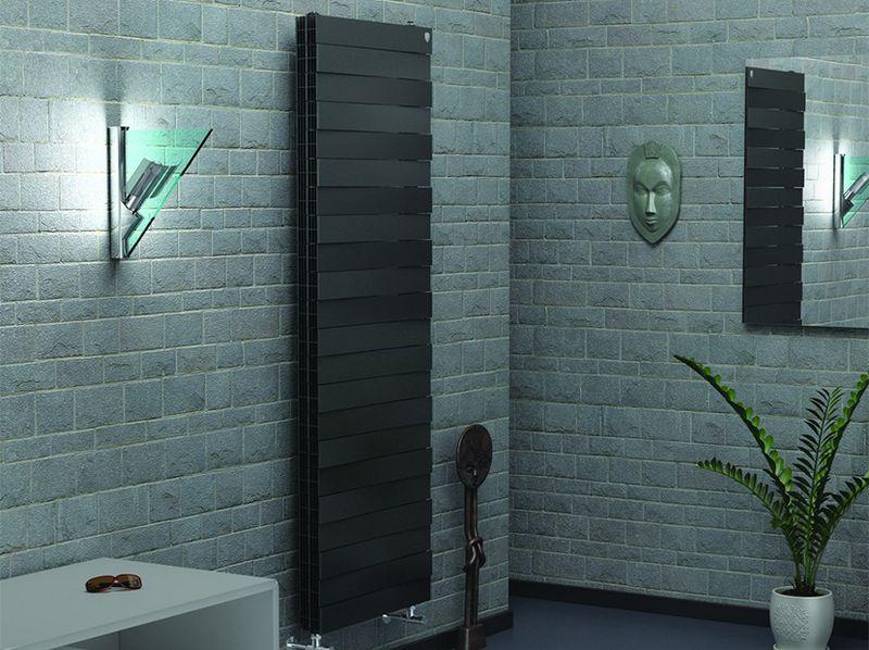 Радиатор отопления PianoForte Tower в цветовом исполнении Noir Sable (черный)